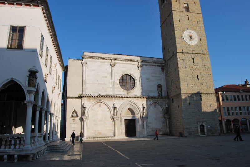 Capodistria. Il vecchio nucleo veneziano è grazioso, a cominciare dalla Cattedrale dell'Assunta