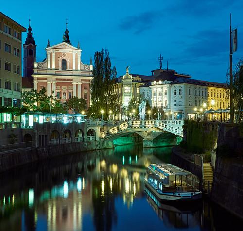 A Lubiana il passato incontra il nuovo, nonostante la comparsa di nuove grandi strutture, in particolare a bordo della città, il centro storico di Lubiana rimane intatto