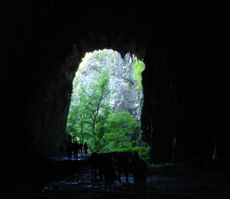 come arrivare alle grotte di san canziano