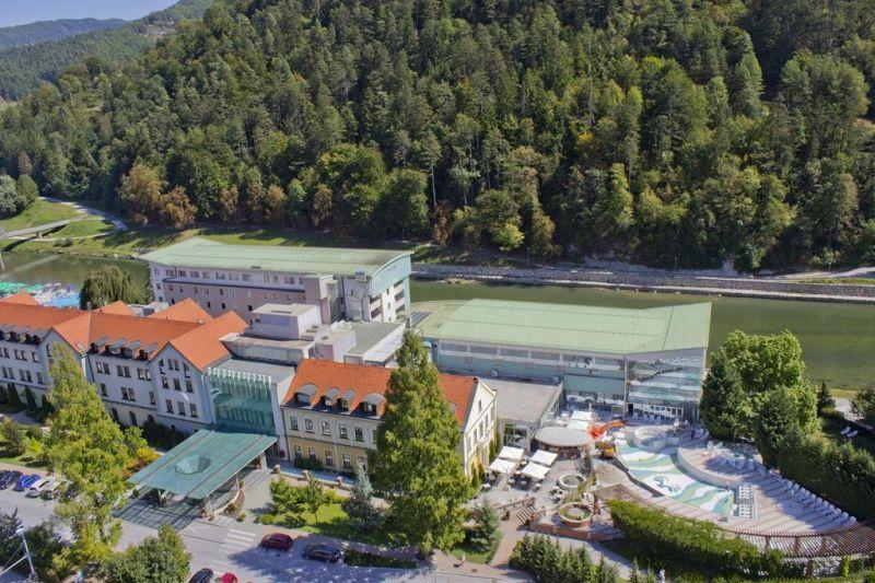 Provvisto di un centro benessere e dalla connessione LAN gratuita, l'Hotel Zdravilišče Laško sorge in un parco tranquillo vicino al fiume Savinja, a 15 minuti a piedi dal centro di Laško.