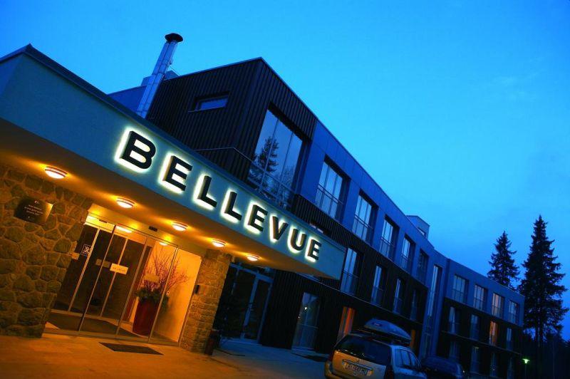 Situato sull'altopiano di Mariborsko Pohorje, il Bellevue - Wellness & Ski Hotel offre l'accesso gratuito all'imponente centro benessere, un camino e svariati bar e ristoranti.