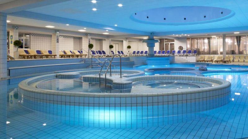 Situato in una splendida zona tranquilla, a 5,5 km dal centro di Maribor, l'Habakuk Wellness Hotel offre alloggi eleganti e climatizzati e un'ampia area benessere