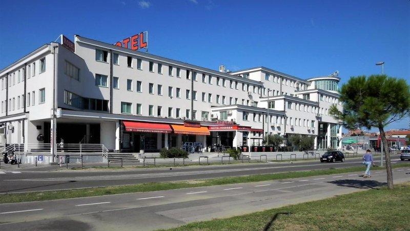 L'hotel a conduzione familiare Vodisek si trova nella zona commerciale di Capodistria